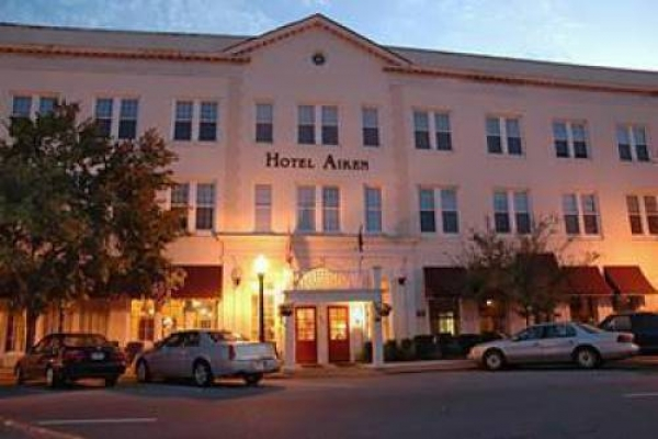 Where To Stay In Aiken South Carolina Hotels In Aiken Aiken Sc Hotel Hotels Visit Aiken Sc